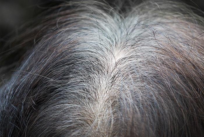 बालों-की-सफेदी-को-रोकता-है